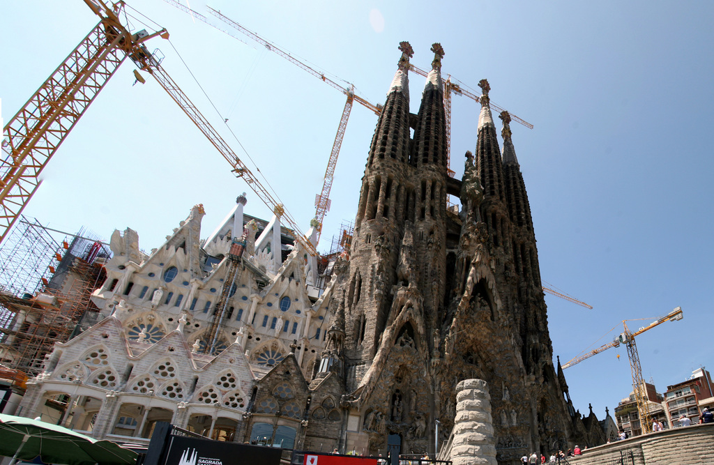 sagrada familia birth side.jpg